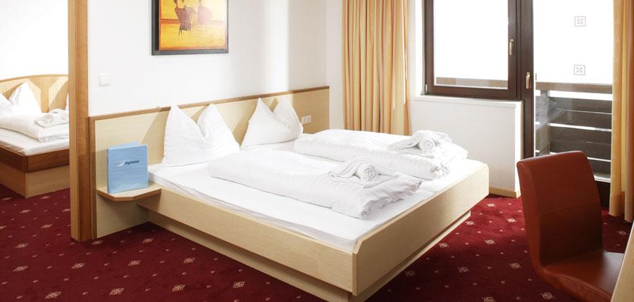 austria_kuhtai_chalet-hotel-elisabeth_bedroom2.jpg